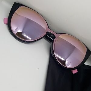 Fashion pink tinted cateye sunglasses